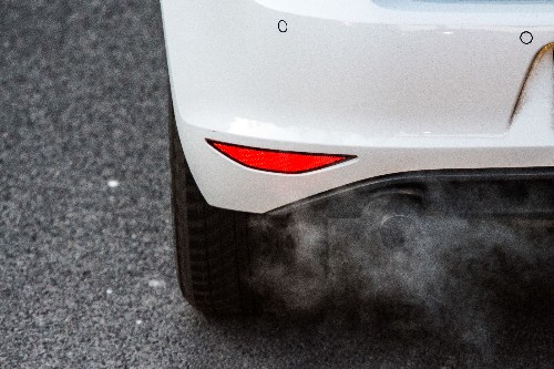 Automakers still want to lower emissions standards in the US