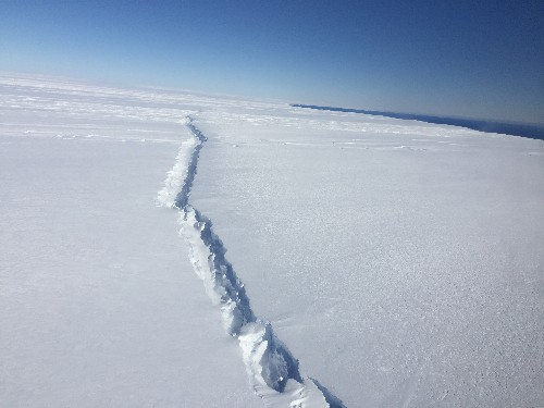 This Antarctic glacier is cracking from the inside out — and that's bad news for all of us