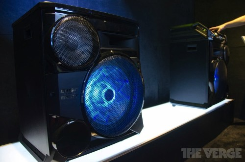 Samsung's ridiculously loud Giga speaker is kind of awesome