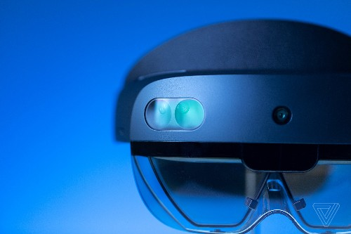 Microsoft's HoloLens 2 headset goes on sale in September