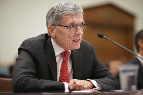 FCC delays vote on controversial set-top box proposal