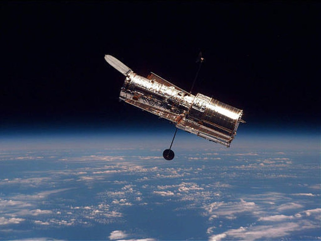 Hubble Telescope caught unprecedented images of the fading Stingray nebula