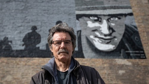 Chicago murals: Artist, 70, with with Parkinson's disease completes first mural