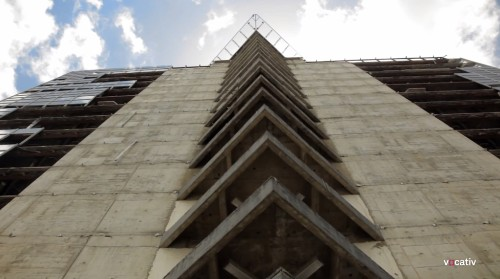Squatters transform skyscraper into world's tallest slum