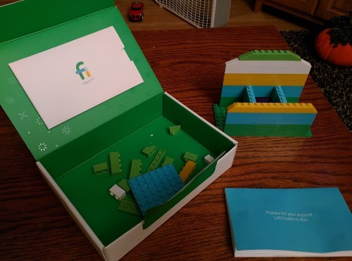 Google is sending out this cool little Lego kit to Project Fi subscribers
