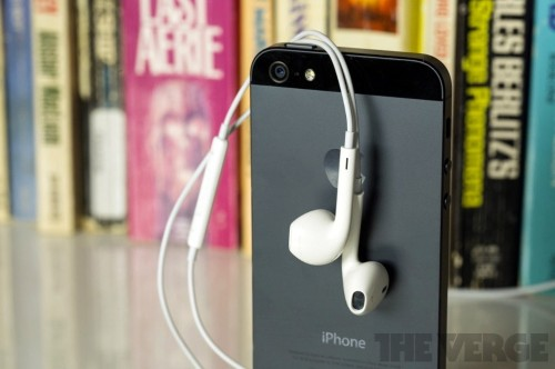 Apple reportedly paving the way for Lightning headphones, but benefits are unclear