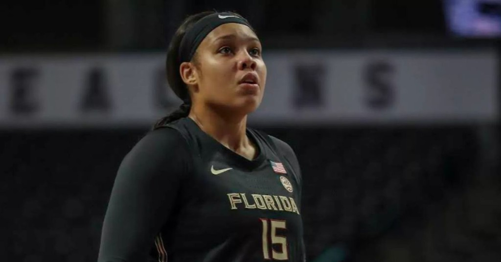 Kiah Gillespie decides to sit out 2020 season as Sky trim roster to 11 by deadline