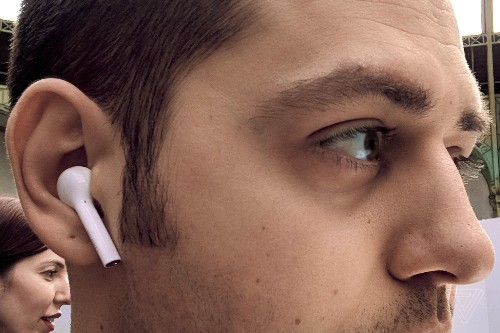 Huawei's wannabe AirPods look and feel good