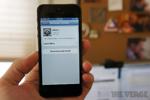 Microsoft suggests throttling or blocking iOS 6.1 devices after bug slows down Exchange servers