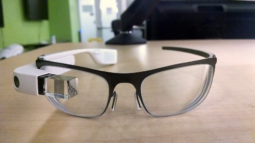 Google manager reportedly posts photos of prescription Glass, quickly removes them