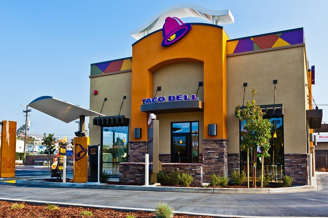 Taco Bell will start taking orders via smartphone later this year