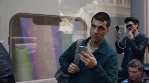 Samsung returns to mock iPhone X buyers in latest commercial