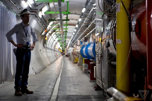 LHC reboot: the world's largest particle accelerator is now active