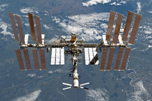 Astronaut dials the wrong number from space, surprises Earthling