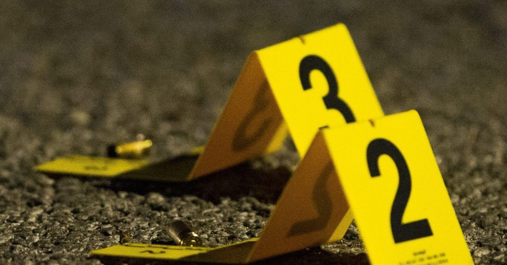 Chicago police officer responding to domestic dispute shot in Lawndale; suspect in custody
