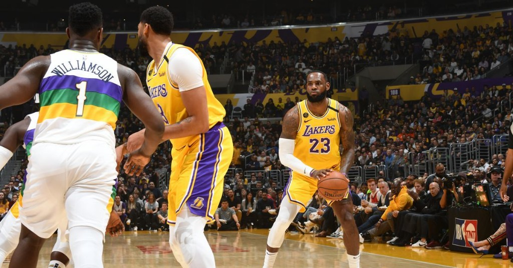 LeBron James showed Zion Williamson what the throne looks like