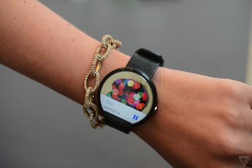 Motorola and Yo are giving away 20 Moto 360 smartwatches