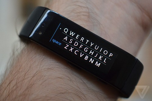 Microsoft's Band update puts an itty bitty keyboard on your wrist