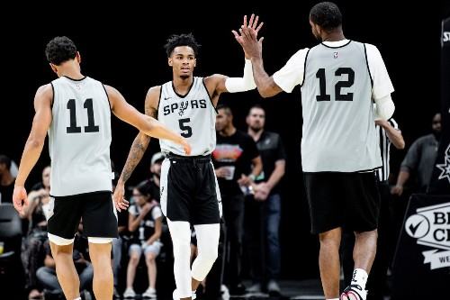 Dejounte Murray shows off his new three-point stroke in Silver and Black Scrimmage