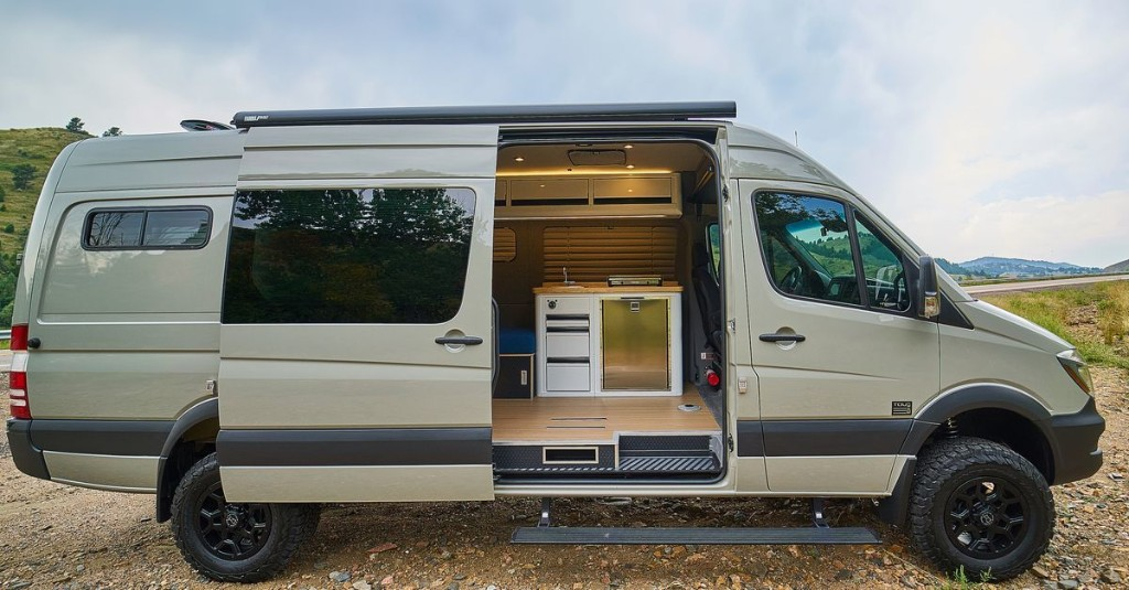 RV toilets: 5 alternatives to a full bathroom in your camper