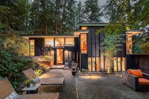Boxy midcentury modern asks $550K in Spokane