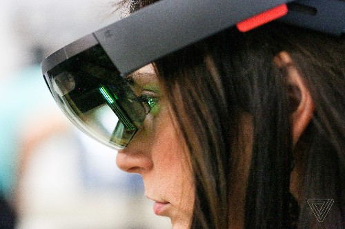 Microsoft secures $480 million HoloLens contract from US Army