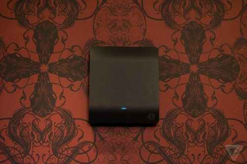This black box promises to wirelessly charge a dozen gadgets at once