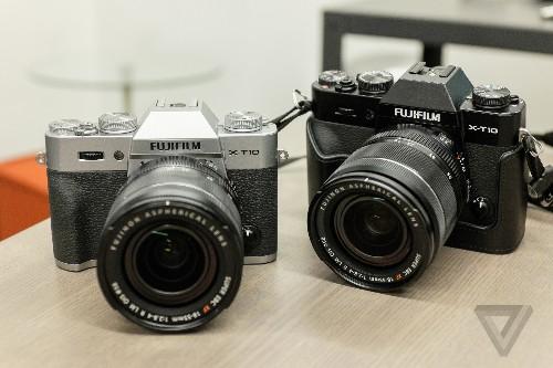Fujifilm's X-T10 is a smaller, cheaper flagship camera