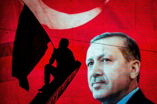 Turkey blocks access to WikiLeaks after Erdoğan email release