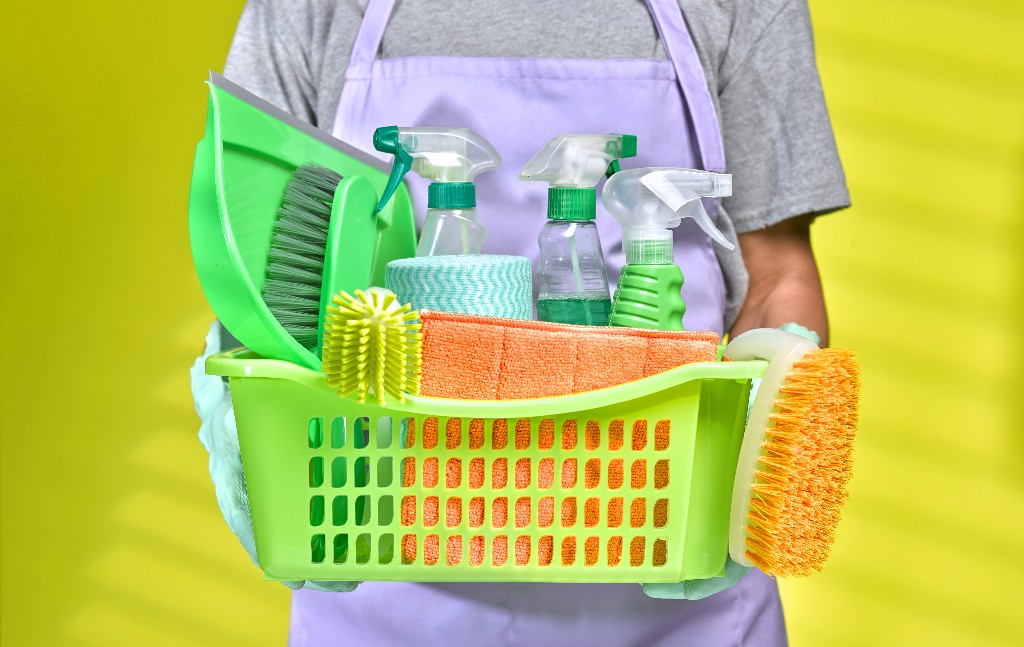 Mail, groceries, and takeout: How to sanitize the stuff you're bringing into your home