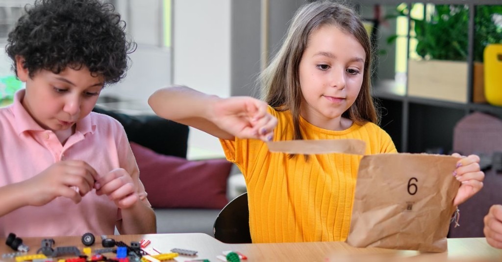 Lego finally realizes it doesn't need to use plastic to package its tiny plastic bricks