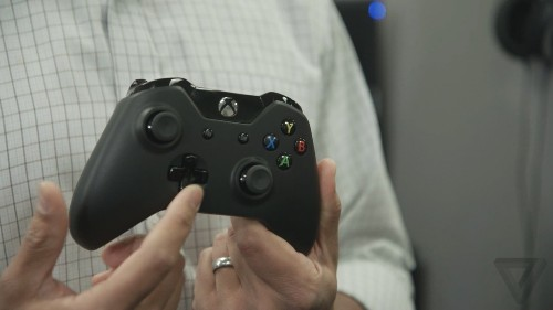 Microsoft prices Xbox One controller at $59.99, headset at $24.99