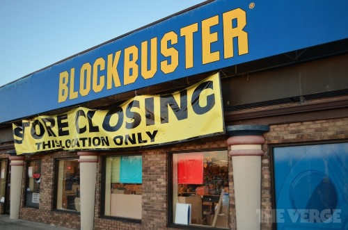 Blockbuster exiting US retail market, closing its last 300 stores