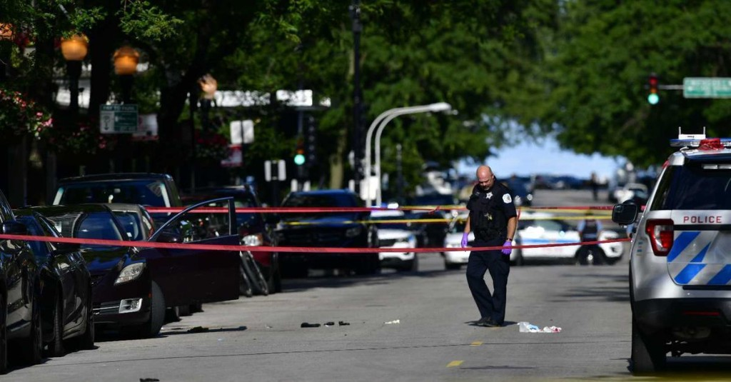 10 shot, 1 fatally, Tuesday in Chicago