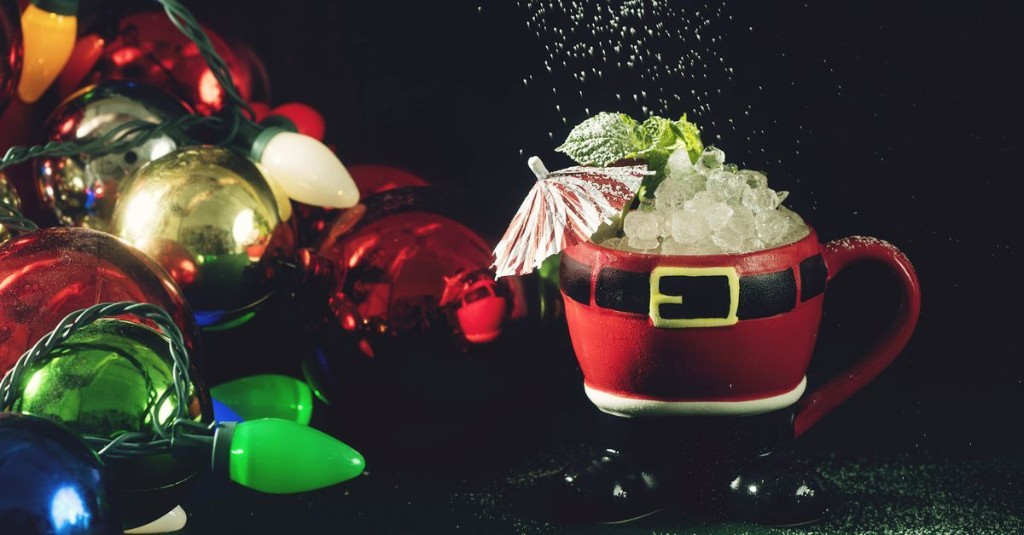 6 Takeout Winter Cocktails to Get Into the Holiday Mood