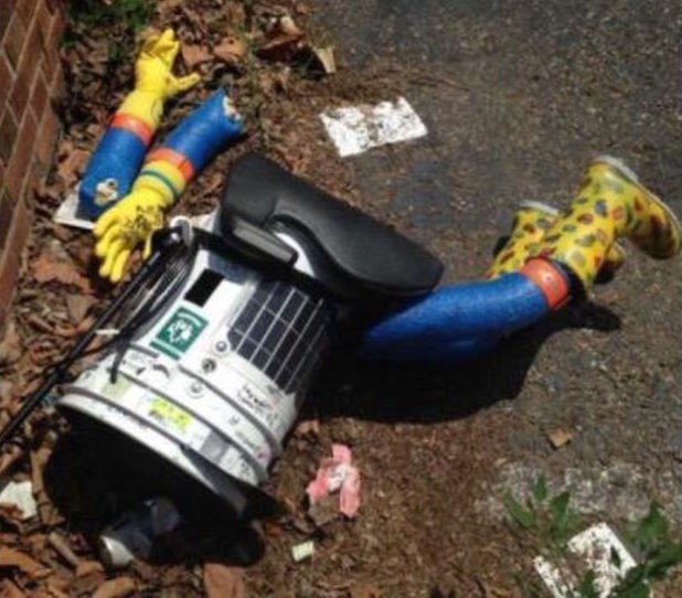 America proves too tough for hitchhiking robot after vandals end cross-country trip
