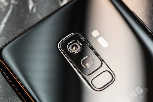 The Galaxy S9's dual-aperture camera is great marketing
