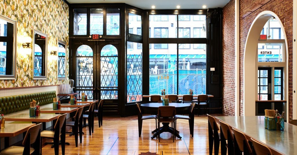 Oregon Bans Dine-In Business at Restaurants and Bars Indefinitely