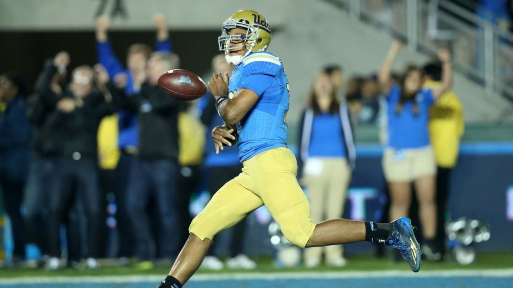 UCLA strolls to 38-20 win over USC thanks to four Hundley TDs