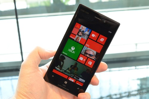 Lumia 928: first impressions of Verizon's Nokia flagship (hands-on)