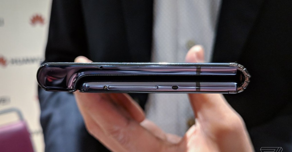Foldable phones: a brief history of their beginning