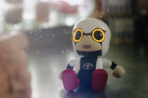Toyota's Kirobo Mini companion robot goes on sale for $400 next year