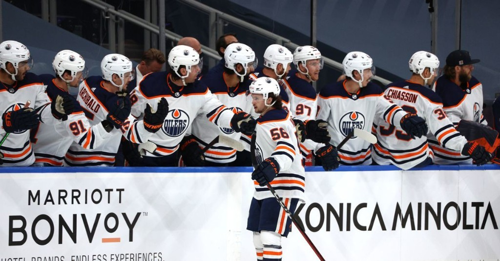PLAY-IN GAME 1: Edmonton Oilers vs. Chicago Blackhawks