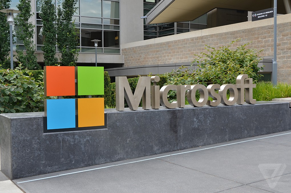 Microsoft is building LinkedIn into Outlook and other Office apps