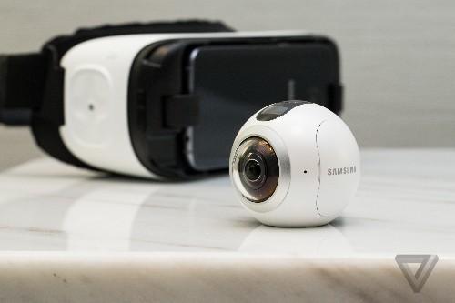 Samsung's Gear 360 camera looks like an eyeball and shoots 360-degree video