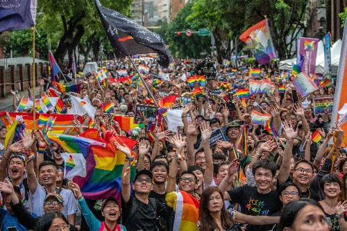 Taiwan's parliament passes historic same-sex marriage law