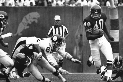 Fred Mitchell visits Bears Hall of Famer Gale Sayers, who suffers dementia