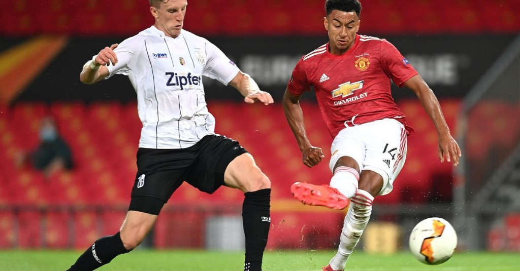 Manchester United 2-1 LASK: Lingard and Martial on scoresheet as Reds reach quarterfinal