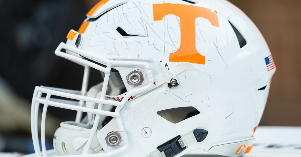 Five-star defensive lineman Leonard Taylor names Tennessee to top five