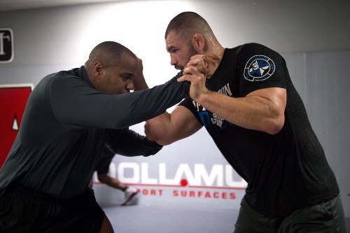 Cain Velasquez reacts to teammate Daniel Cormier's UFC heavyweight title bout, still plans to 'get my belt ba…